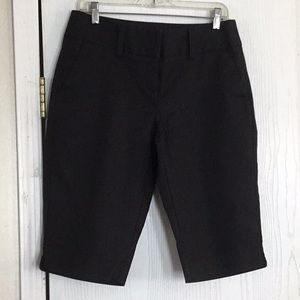 Apt. 9 stretch Maxwell long shorts. Size 10.